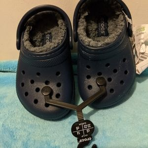 Navy Lined Crocs Child's 6 NWT